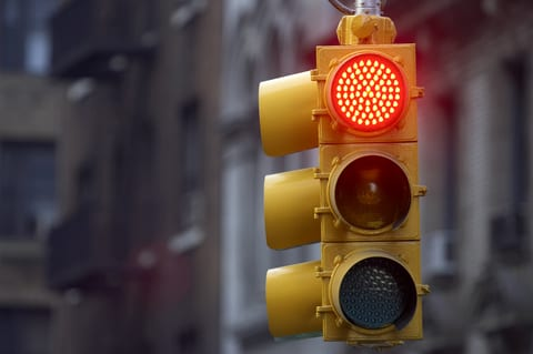 Stopping at Red Lights Increases Air Pollution Exposure