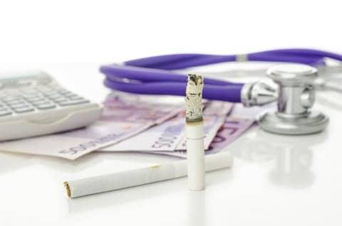 Parental Smoking Puts Nearly Half a Million UK Children into Poverty