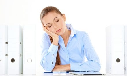 Daytime Sleepiness, Long Naps Linked to Heart Risks