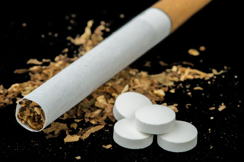 Smokers Hospitalized for Heart Attacks Don't Get Cessation Drugs