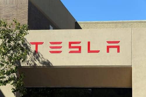 Tesla Autopilot Saves Man After Pulmonary Embolism